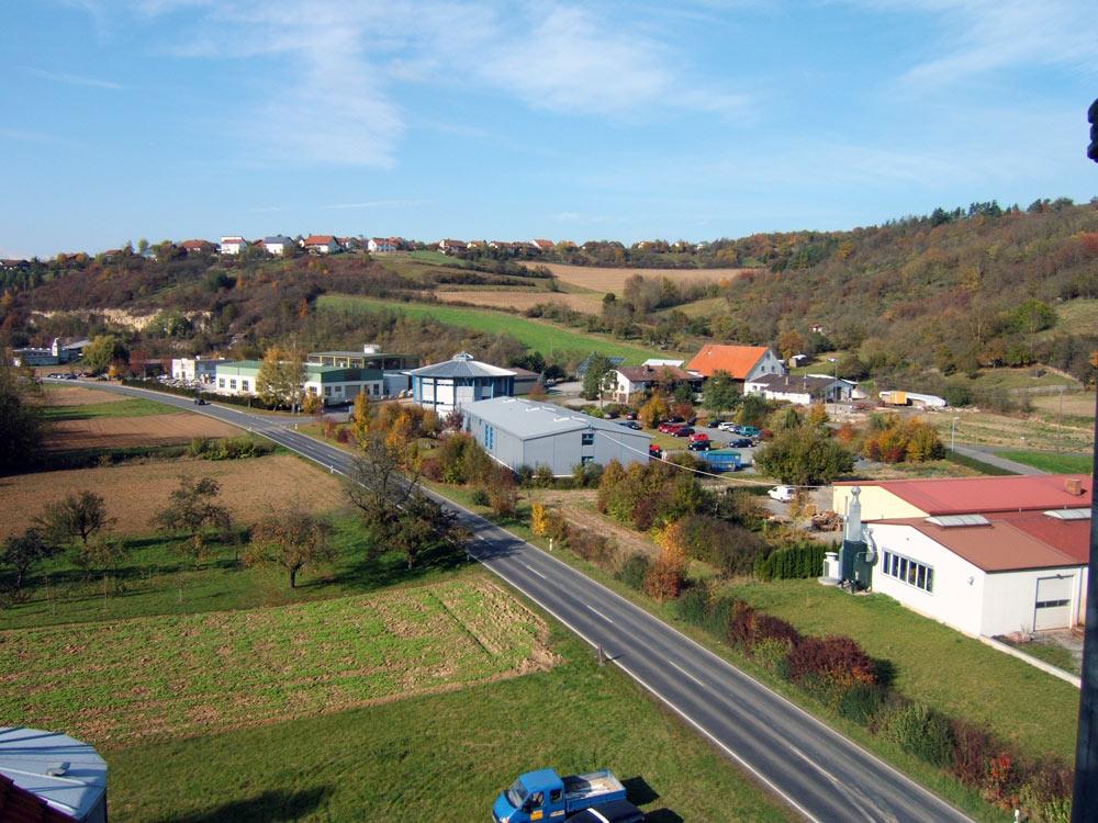 Sie sehen die Bilder zu: EAS Schaltanlagen GmbH - Neubau eines Bürogebäudes mit Fertigungshalle