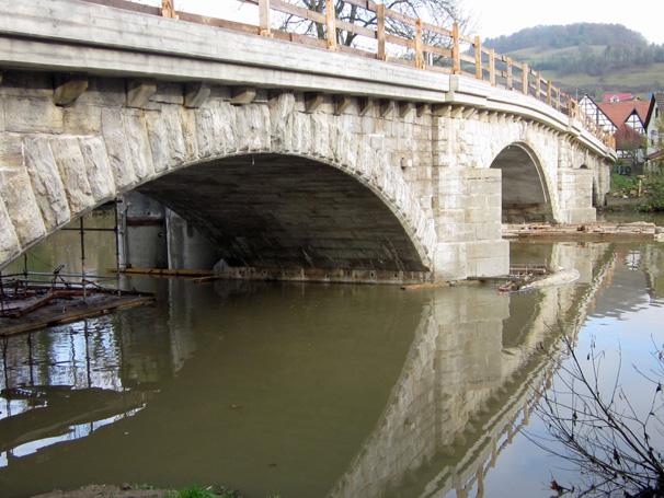 Sie sehen die Bilder zu: Jagstbrücke Dörzbach