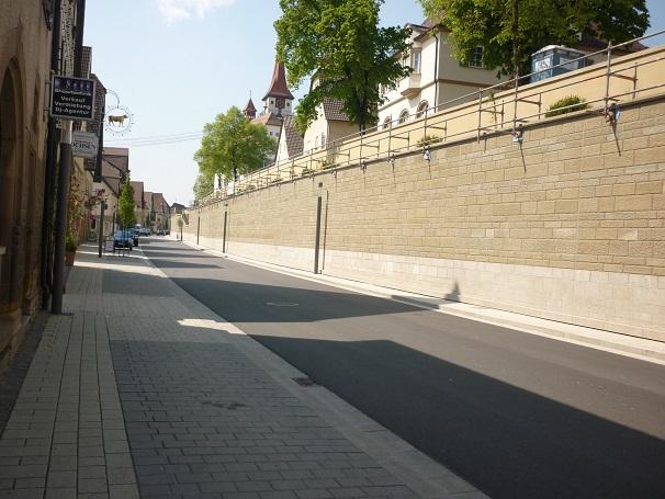 Sie sehen die Bilder zu: Ortsdurchfahrt Ilsfeld, Verblendmauerwerk