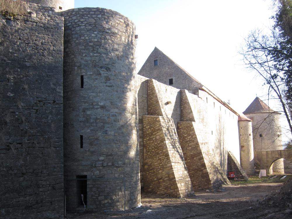 Sie sehen die Bilder zu: Burg Neuhaus Turmsanierung in Igersheim