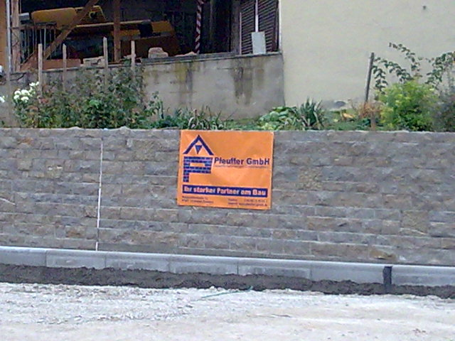 Sie sehen die Bilder zu: Verblendung der Stützwände an der Ortsdurchfahrt in Werbach