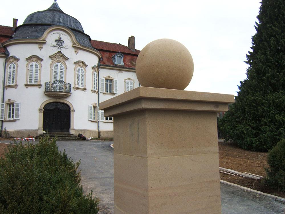 Sie sehen die Bilder zu: Neuerrichtung von Sockelmauern mit Hoftorportal in Jagsthausen