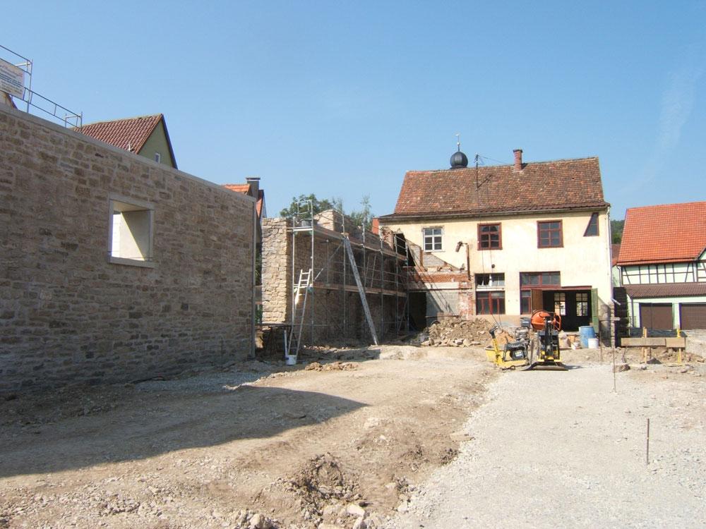 Sie sehen die Bilder zu: Sanierung und Neuerrichtung der Stadtmauer in Weikersheim